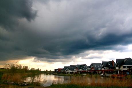 donkere wolken -2-