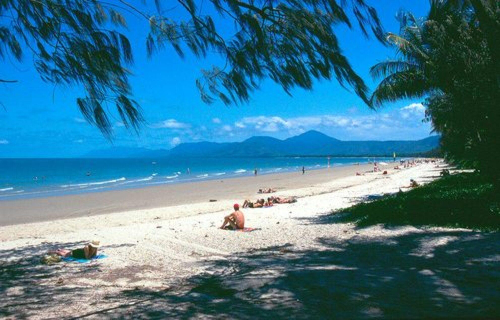 Port Douglas, Australie - 4-mile beach in Port Douglas,Queensland,Australie - foto door Hugie op 23-06-2015 - deze foto bevat: zee, beach, australie, queensland, port douglas, 4 mile beach - Deze foto mag gebruikt worden in een Zoom.nl publicatie
