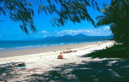 Port Douglas, Australie - 4-mile beach in Port Douglas,Queensland,Australie - foto door Hugie op 23-06-2015 - deze foto bevat: zee, beach, australie, queensland, port douglas, 4 mile beach