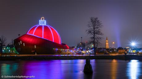 Grootste kerstbal ter wereld: Dot Groningen