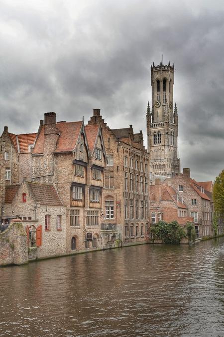 Brugge_Toren - - - foto door hans67 op 07-11-2017 - deze foto bevat: water, kasteel, architectuur, kerk, belgie, brugge, hdr, tonemapping