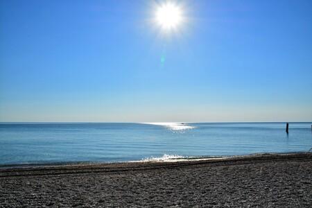 Sirolo strand - - - foto door djmkfotografie op 29-04-2017 - deze foto bevat: lucht, zon, strand, zee, water, natuur, vakantie, landschap, zomer