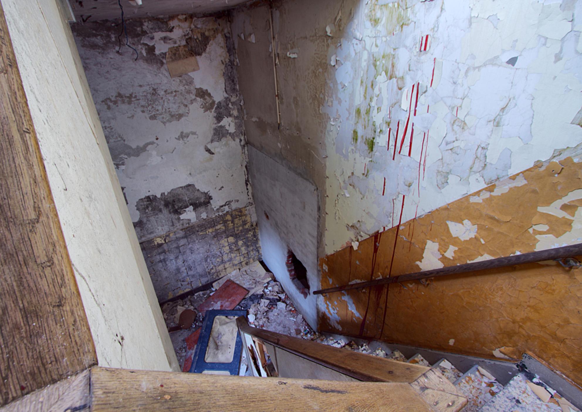 Postkantoor 4 - Op 21-6-2010 hebben Jos en ik een bezoek gebracht aan dit oude postkantoor.  het is een hdr foto.  Kijk ook eens op mijn website: [url]http://los - foto door Jascha_400D op 13-04-2011 - deze foto bevat: oud, foto, kleur, time, in, groningen, nederland, urban, lost, verlaten, vervallen, hdr, postkantoor, urbex, stadskanaal, tonemapping, nl, decay, hoste, jascha, ue - Deze foto mag gebruikt worden in een Zoom.nl publicatie