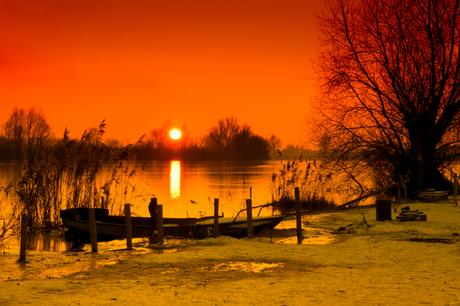 Maaskant zonsondergang