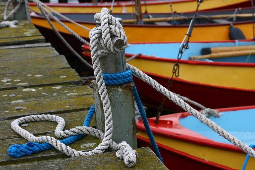 Gelijnd - Boten van de watersport wachten op betere tijden. - foto door willy461 op 10-09-2011 - deze foto bevat: water