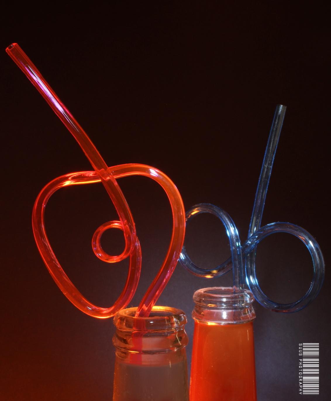 Zij dronk Ranja met een rietje - - - foto door susannekim op 30-10-2020 - deze foto bevat: rietjes, ledbelichting
