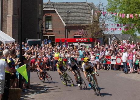 Maarten Tjallingii op kop bij doorkomst Giro in Hummelo UA