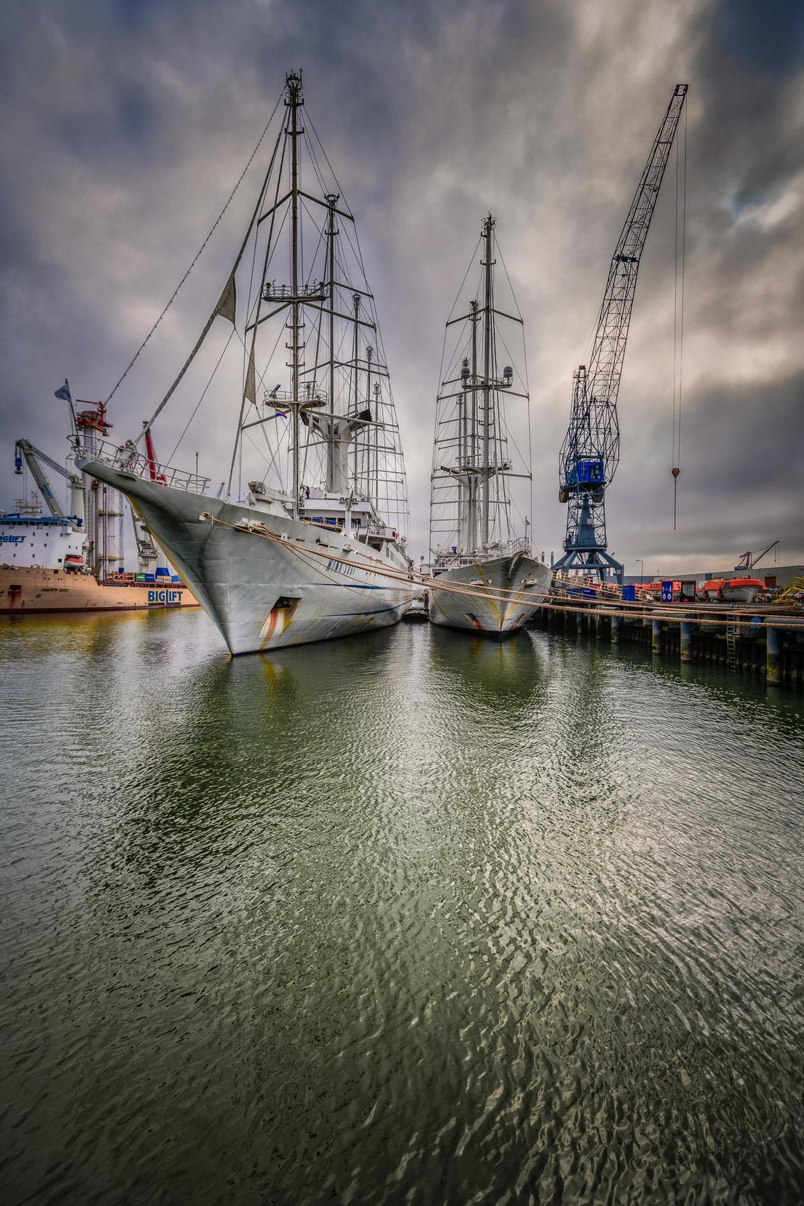 Scheepvaart - - - foto door hsies op 03-03-2021 - deze foto bevat: boot, haven, transport
