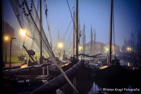 Botters in de haven van Elburg
