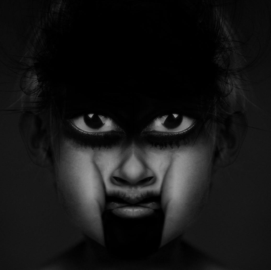Head Off - Ik ben vrij om te creëren ,dus dat doe ik ook - foto door charlottevalerie op 09-03-2019 - deze foto bevat: abstract, portret, bewerkt, fantasie, kunst, blank, bewerking, white, contrast, photoshop, face