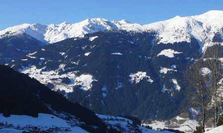 uitzicht - uitzicht vanaf de Gerlosberg, boven Zell am Ziller. - foto door ljdrost op 22-01-2009 - deze foto bevat: uitzicht, winter, oostenrijk, alpen, ljdrost, gerlosberg