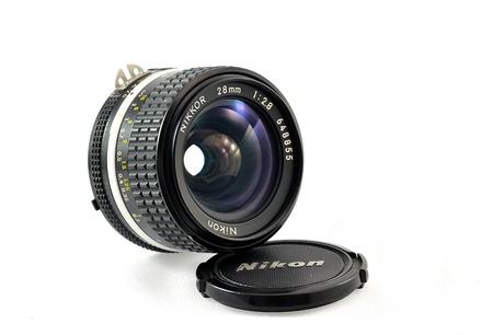 Nikon 28mm F/2.8 Ais MF