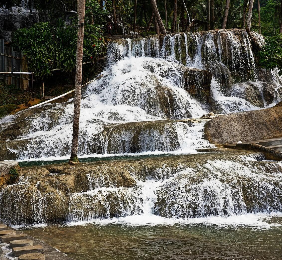Mijn Reizen - Deze opname gemaakt in een heel groot recreatie park  aldaar  heel mooi park  waar de Indonesiër in het weekend  zijn vertier  haalt .     Bedankt  - foto door Stumpf op 26-02-2021