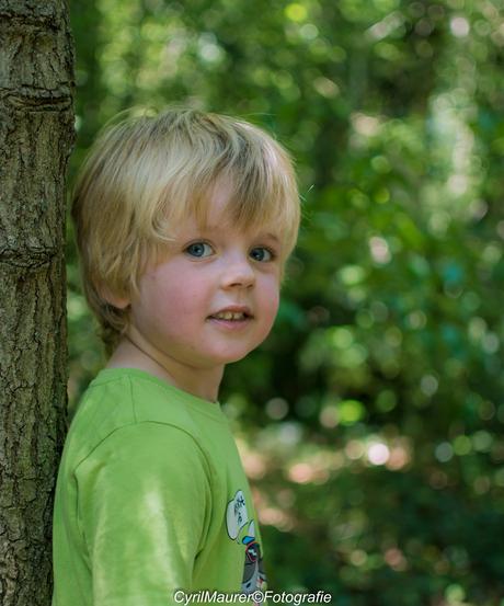Kijk papa nog een laatse foto nemen bij de boom deel 2