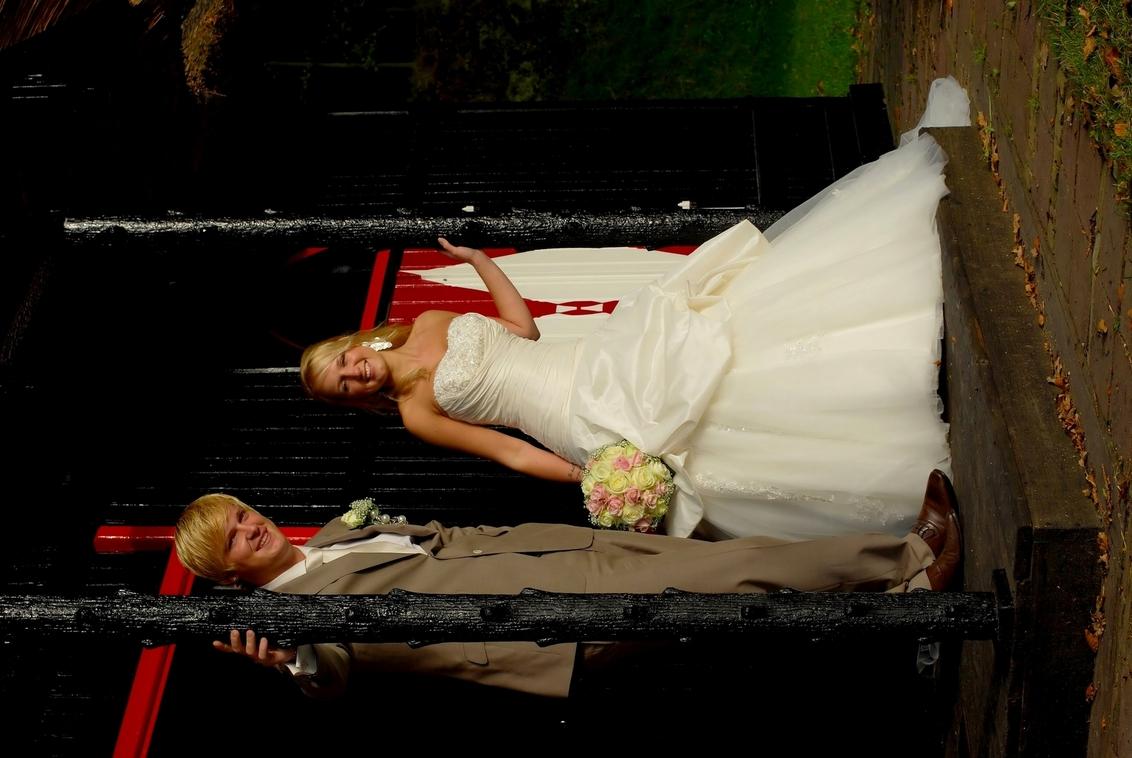 Marco en Trude - Een  hele hele hele tijd niets meer geupload .Maar vind deze zeer de moeite waard .Vorige maand op landgoed Clingendael (Den Haag) .Prachtige dag zon - foto door XIANG op 21-11-2010 - deze foto bevat: zon, trouwen, herfst