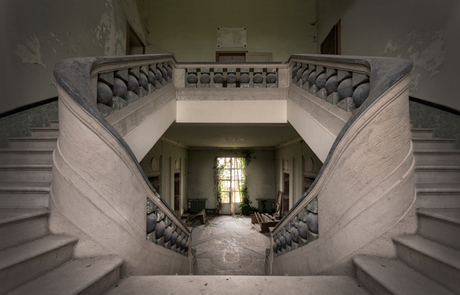 Winged Stairs