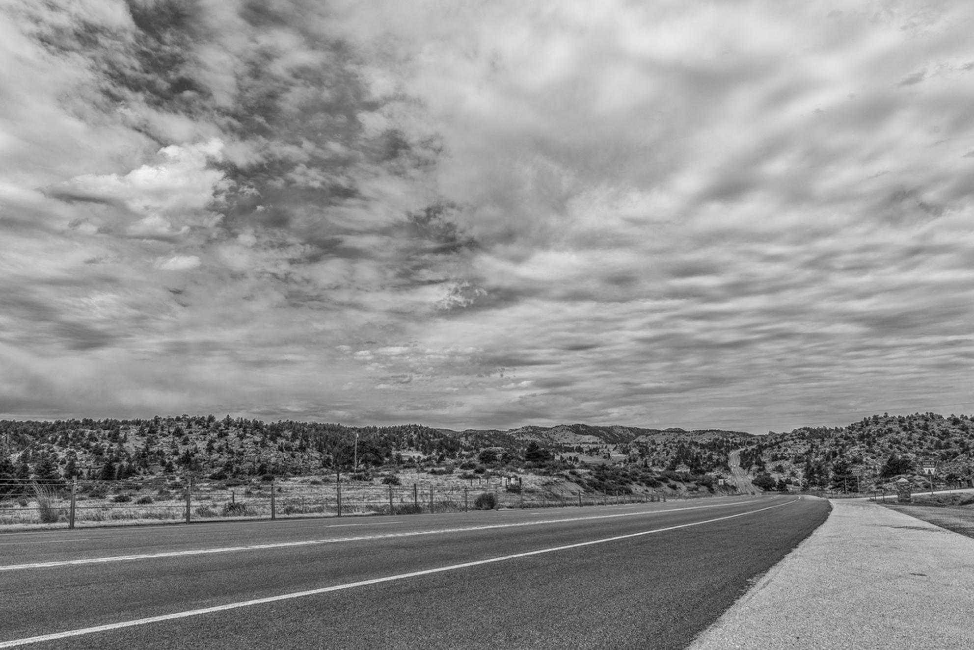 The road to ..... - Deze foto is gemaakt tijdens onze reis in Noord-Amerika - foto door angelique3004 op 03-11-2017 - deze foto bevat: lucht, wolken, uitzicht, vakantie, reizen, landschap, zomer, bergen, amerika, toerisme, reisfotografie