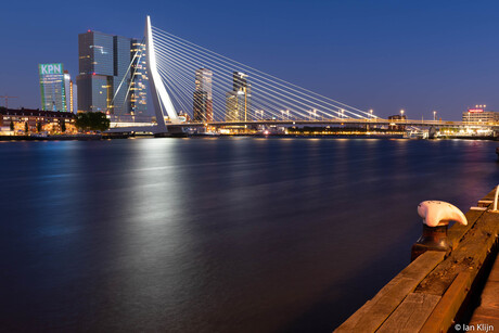 Erasmusbrug zonder nationale driekleur