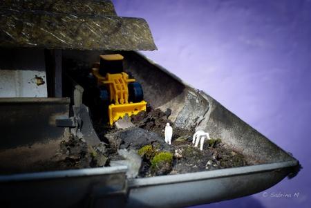 """Lenteschoonmaak - Soms is de staat van de dakgoot zo erg dat je het gespecialiseerde team """"Dirtbusters"""" van Petitville moet opbellen. En kijk binnen de have dag stonde - foto door sabbe op 13-01-2016 - deze foto bevat: miniatuur, sabrina, H0"""