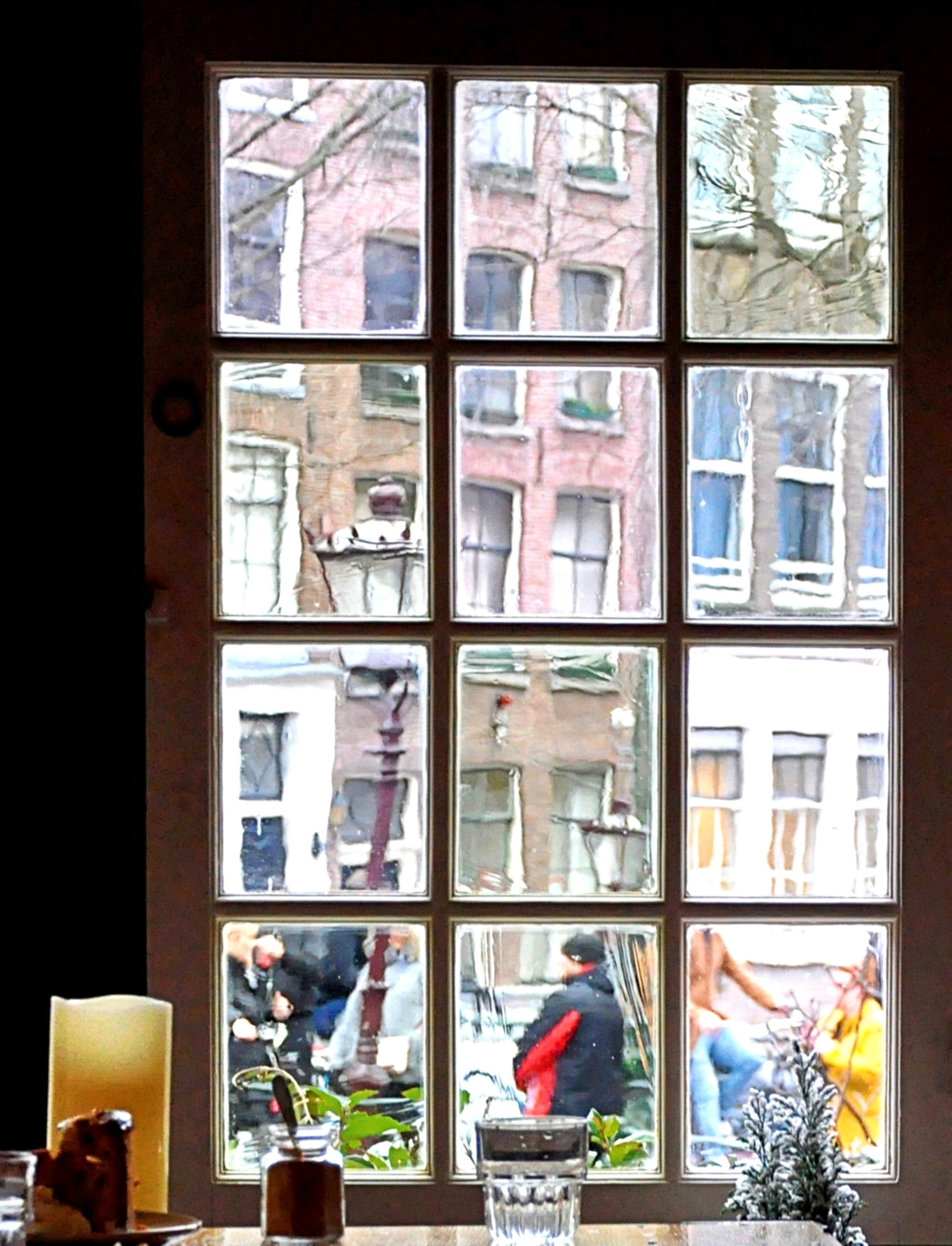 OUD Amsterdam - Amsterdam -... een van de oudste plekjes...  Van binnen naar buiten. - foto door 1103 op 06-03-2021 - deze foto bevat: oud, amsterdam