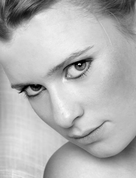 Deep look - hoi hoi,,,  hier nog een foto uit de oude doos.. maar wou deze foto toch nog graag plaatsen. Het model is rianne (@rianne)   bedankt voor de reac - foto door @Linda op 01-06-2008 - deze foto bevat: portret, model, look, ,