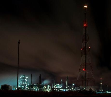 . . . Antwerp by night II . . .