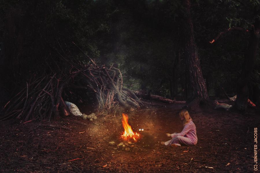 Loner - Let me tell you this: If you meet a loner, no matter what they tell you, it's not because  they enjoy solitude. It's because they have tried  to b - foto door smurfkuh op 08-05-2014 - deze foto bevat: donker, dark, avond, bewerkt, fantasie, zelfportret, kunst, nostalgie, sfeer, creatief, bossen, manipulatie, forest
