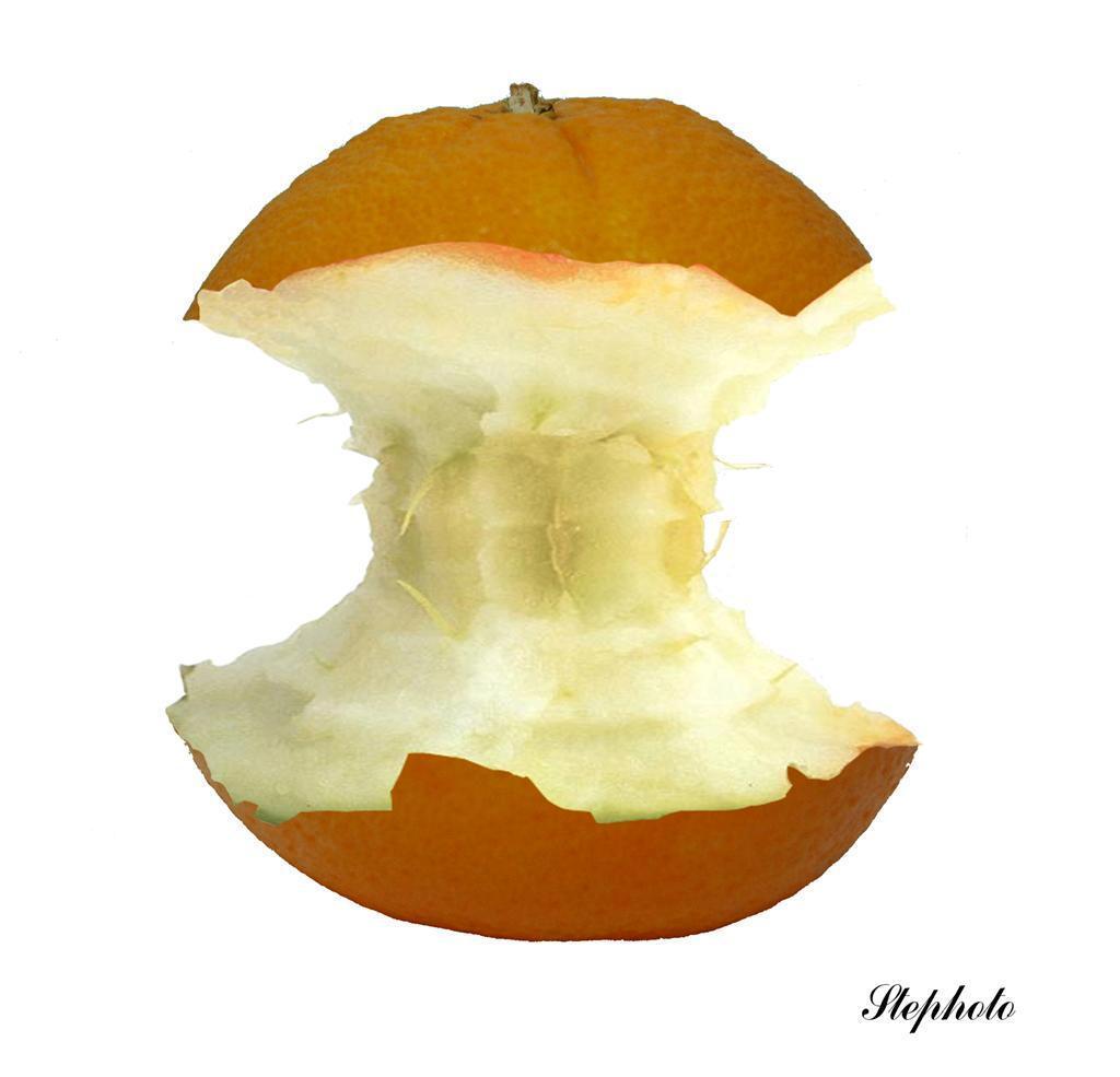Appel....sien - De fotografische uitleg waarom wij Belgen deze vrucht een appelsien noemen en geen sinaasappel zoals de Nederlanders. - foto door Stephaan op 21-11-2007 - deze foto bevat: sinaasappel, appelsien