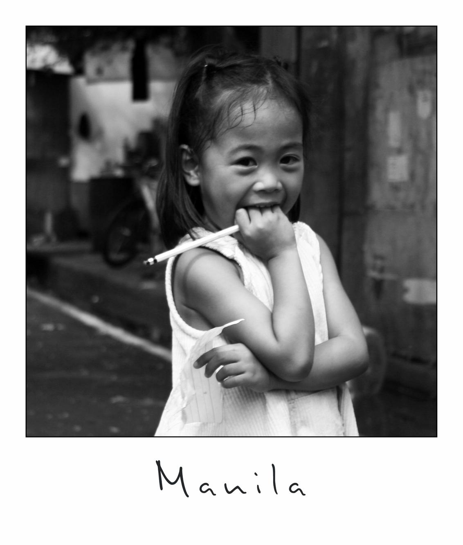 less shy - - - foto door lokkjja op 14-07-2009 - deze foto bevat: vakantie, kind, verlegen