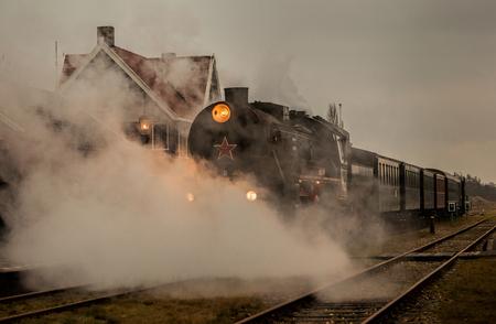 Train is Steaming... - De Museumspoortrein S.T.A.R in Stadskanaal. - foto door wido-foto op 19-12-2013 - deze foto bevat: oud, lucht, trein, stoom, stoomtrein, locomotief