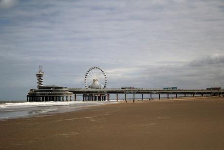 zicht op de pier van Scheveningen