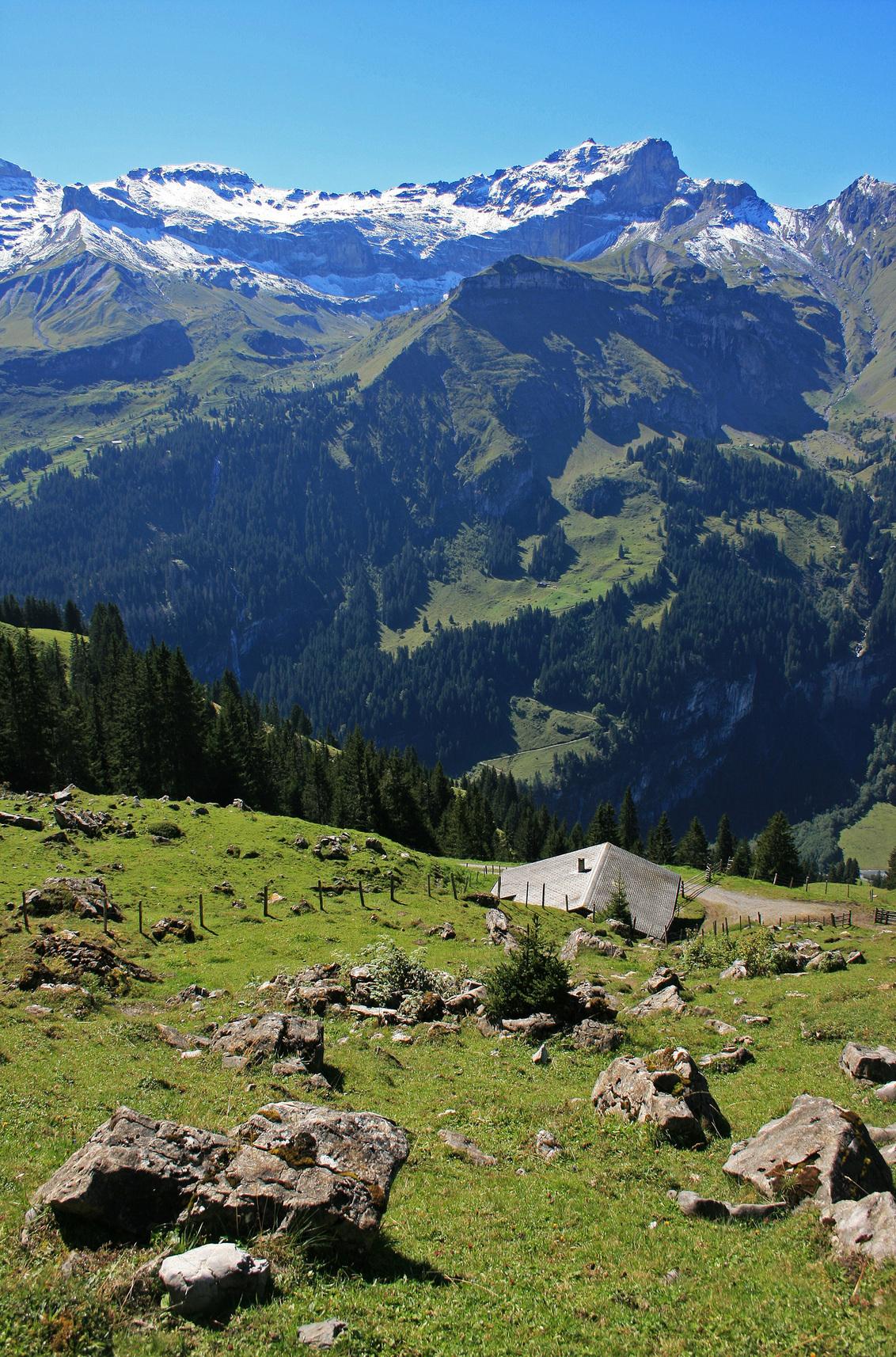 Tschingel - Afdaling vanaf de Abeberg, Kiental, met uitzicht over Tschingel en Tschingelsee. Momenteel druk met de voorbereidingen voor een nieuwe bezoek aan de  - foto door GandalfB op 06-01-2009 - deze foto bevat: bergen, zwitserland, alpen, afdaling, kiental, abeberg, tschingel