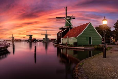 Sunset by the windmills of Zaanse Schans