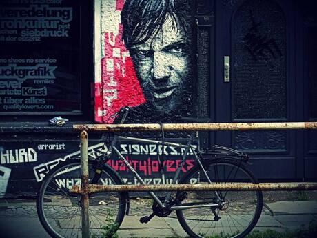 Willem Frederik Holleeder is watching you