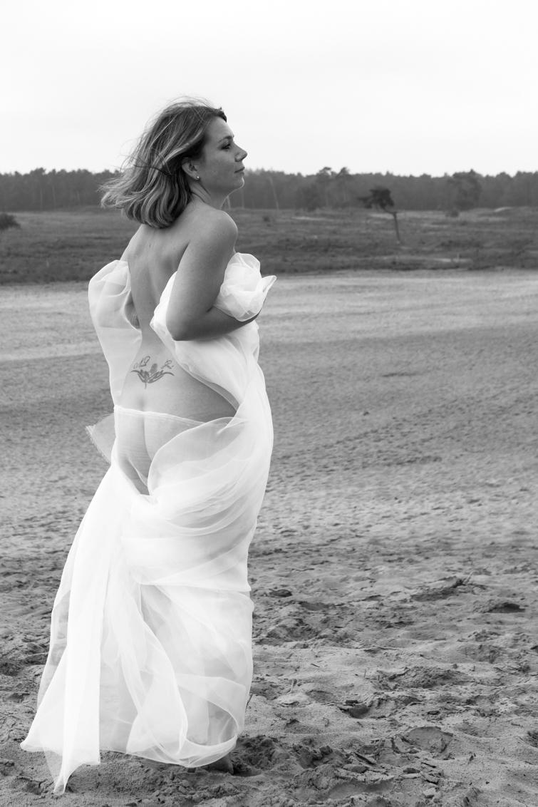 Model Daniëlle - - - foto door oostindienjp op 18-09-2017 - deze foto bevat: model, zw, danielle, drunen, drunense duinen