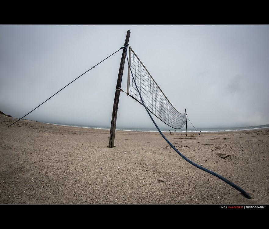 Beachstills (8) - weer eentje om toe te voegen aan de serie beachstills - foto door Raapie op 14-02-2013 - deze foto bevat: strand, net, beach, sand, vrouwenpolder, volleyball