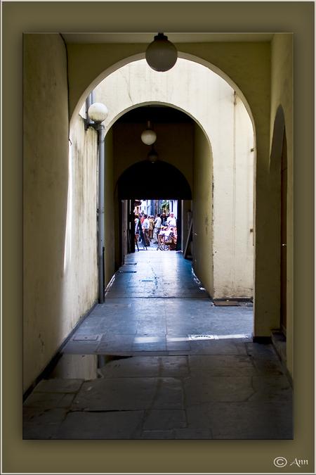 Doorkijkjes... - - - foto door Ann_zoom op 26-08-2008 - deze foto bevat: flits, straatfotografie, belichting, ann
