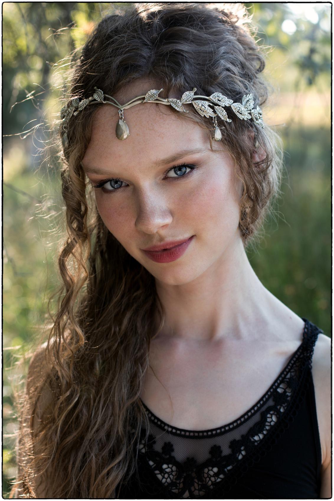 | n a d i a | - - zomers plaatje van mijn favoriete model op mijn favoriete locatie tijdens mijn favoriete seizoen bij heerlijke temperaturen en magische licht.. - - foto door pietbruystens op 04-12-2020 - deze foto bevat: vrouw, licht, portret, model, tegenlicht, zomer, daglicht, ogen, haar, meisje, lief, beauty, emotie, glamour, closeup, fotoshoot, 50mm, goddess, adorable