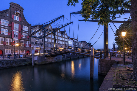 Dordrecht in de avond