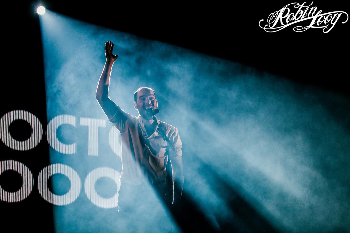 De Staat - De Staat op Paaspop Schijndel 2017 - foto door robinlooy op 19-04-2017 - deze foto bevat: licht, muziek, concert, band, live, spot, concertfotografie, podium, paaspop, staat, de staat, robin looy