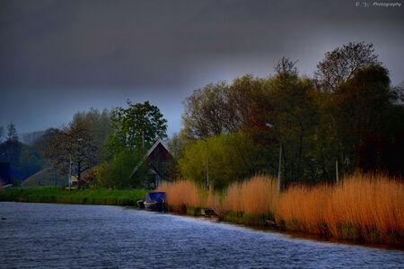 Een echt Nederlands landschap - Een bewolkte dag met zonsondergang! - foto door Steef29 op 28-06-2015 - deze foto bevat: natuur, licht, bewerkt, landschap, bewerking, contrast, photoshop, hdr, paint shop pro