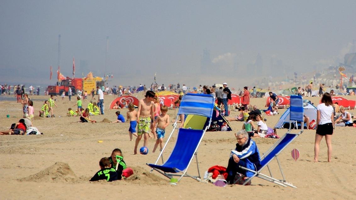 """""""Zomergevoel"""" - De eerste zomerse stranddag van 2013. - foto door Derine op 10-05-2013"""