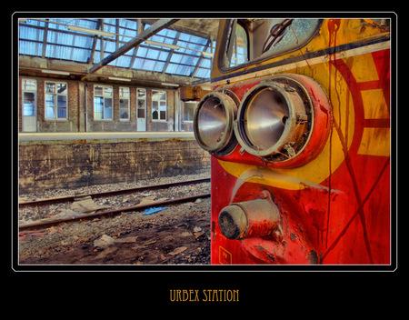Urbex station - Nog eentje van een vervallen Belgisch stationnetje. - foto door akjvervoort op 29-10-2009 - deze foto bevat: station, trein, hdr, verval, urbex, akjvervoort