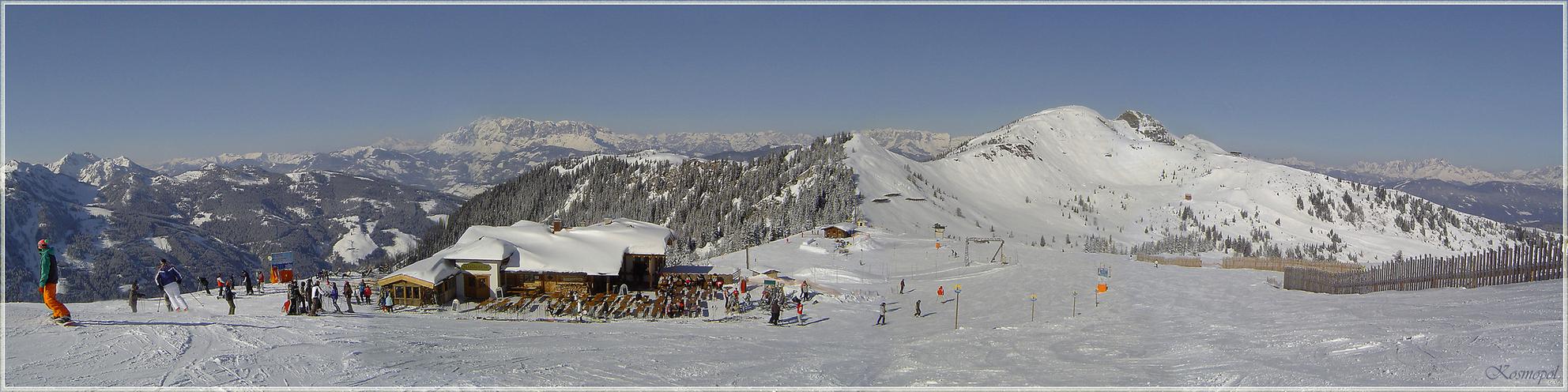 Witte Wereld - Het is weer bijna zo ver, en het begint dus weer te kriebelen. Binnenkort gaan we weer naar de sneeuw. Ik heb om alvast weer wat voor te genieten nog - foto door kosmopol op 13-11-2009 - deze foto bevat: sneeuw, bergen, ski
