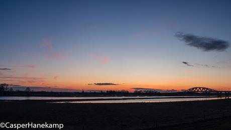 Zonsondergang bij de IJssel
