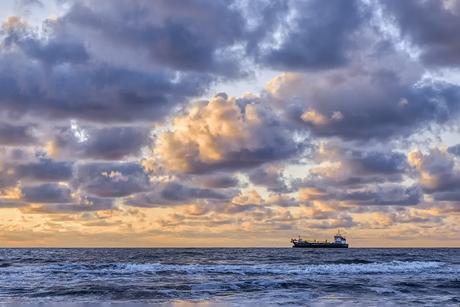 Schip aan de horizon