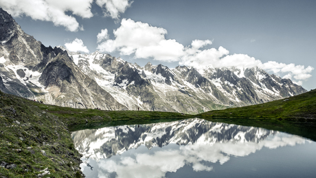 The beautiful Lago Chécrouit