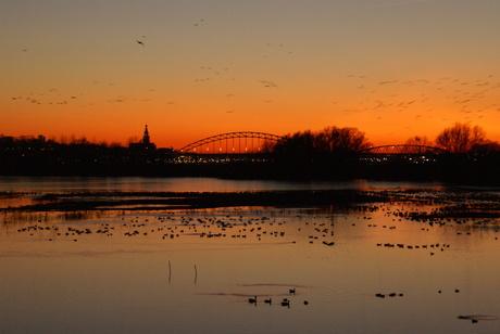 Avondrood over Nijmegen