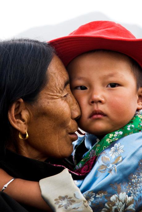 EAST TIBETAN LOVING CARESS