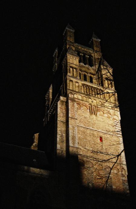 Brugge - Toren bij nacht :) - foto door thuban op 27-03-2010 - deze foto bevat: kerk, stad, toren, belgie, brugge